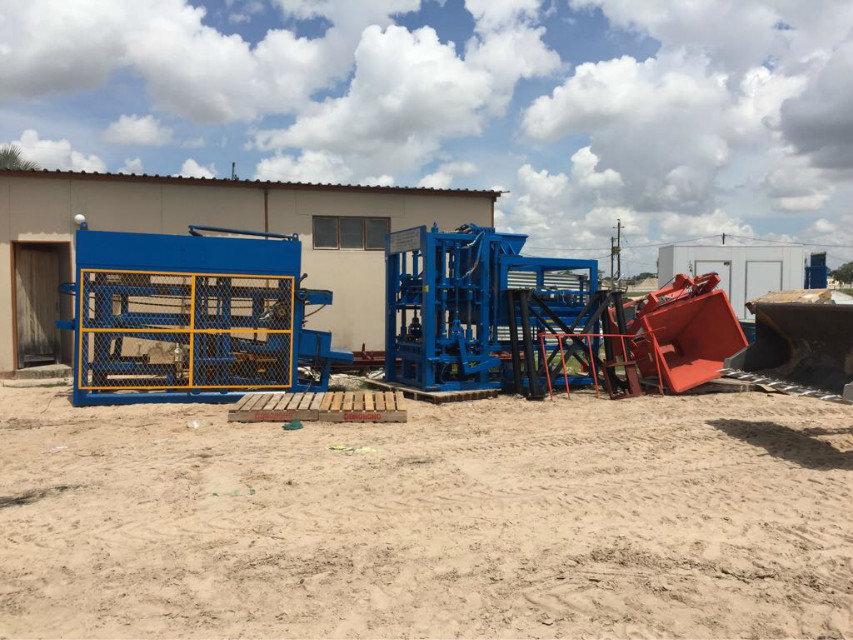 纳米比亚QTY6-15 block machine in Namibia (8)