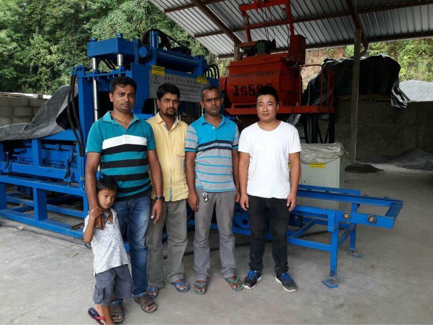QTY4-15 Block making machine (3)